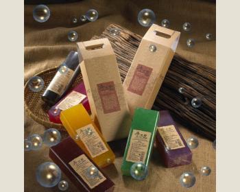 DIY紅樟皂900公克(8個入)+嚴選手提禮盒