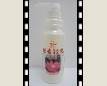 檀香雙效乳400ML*1瓶(洗髮沐浴一次完成)