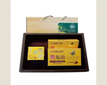 綺緣-北海道馬油護膚禮盒(2入馬油皂*2盒+1瓶滋養霜)